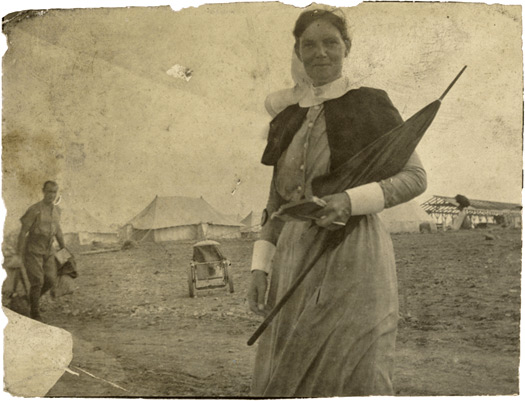 Matron Grace Wilson doing a round, Mudros 1915